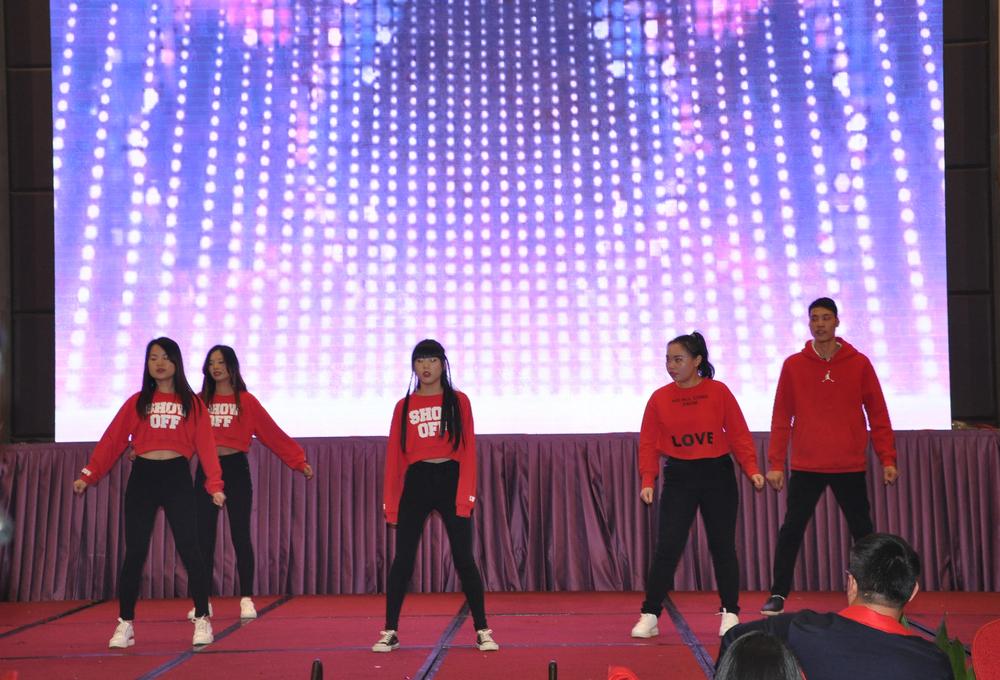 跳舞2.jpg